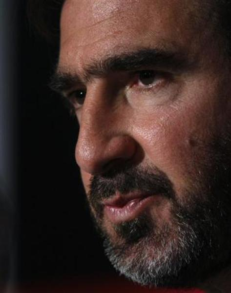 "L'appel au ""bank run"" d'eric cantona critiqué par la classe politique"