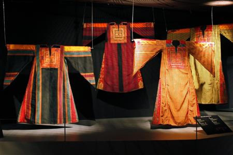 Robes d'orient au quai branly