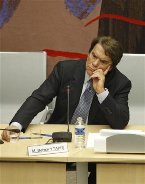 La commission des finances de l'assemblée critique du règlement de l'affaire tapie