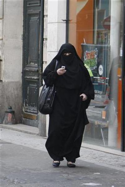 Un mode d'emploi pour l'interdiction de la burqa en france