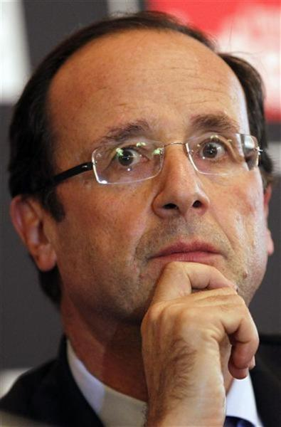 François hollande reste en tête des intentions de vote mais son avance s'effrite, selon ifop