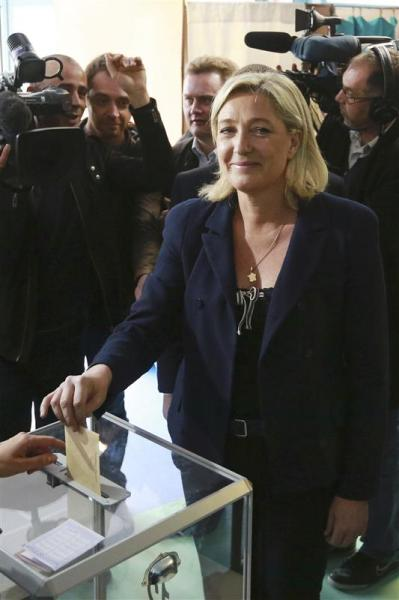 Marine le pen battue à hénin-beaumont