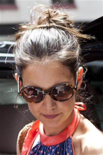 Katie holmes et tom cruise parviennent à un accord sur leur divorce
