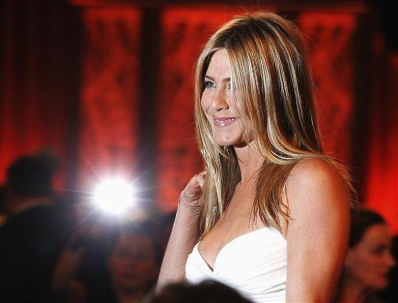 Jennifer aniston se fiance à justin theroux