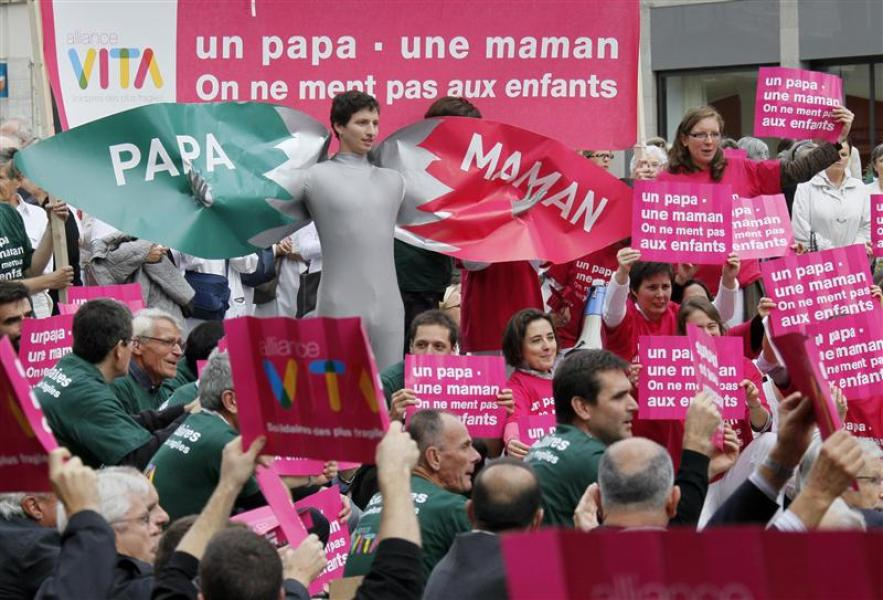 Manifestations en france contre l'adoption par les homosexuels