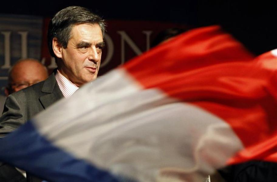 Fillon reste le grand favori des sympathisants ump