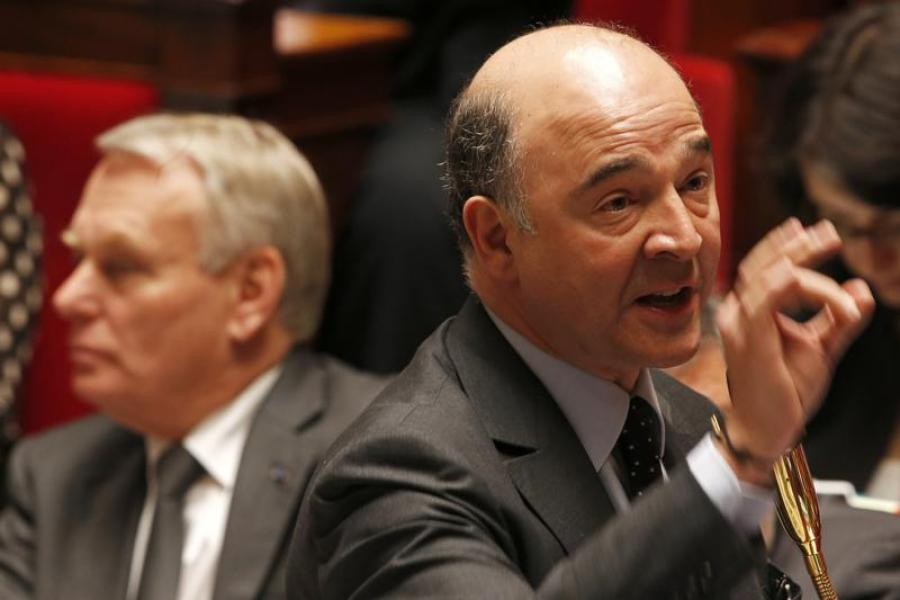 Jean-marc ayrault défend pierre moscovici