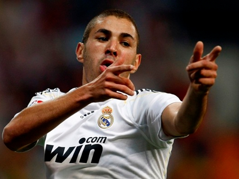 Benzema titulaire