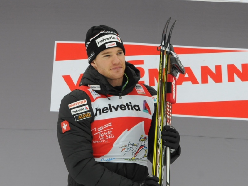 Olsson devant Cologna