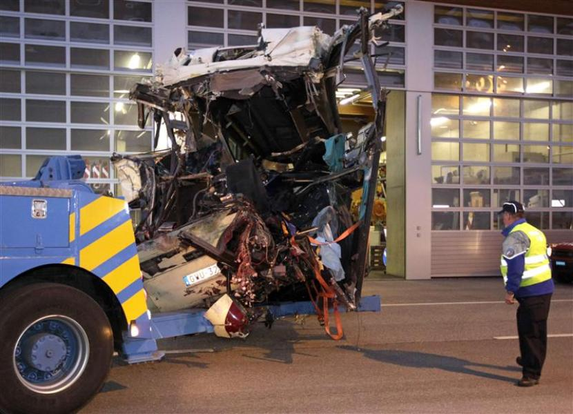 Accident de car en Suisse: 28 morts, dont 22 enfants