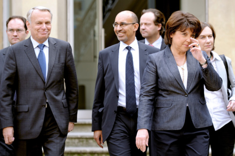 Le premier gouvernement Hollande s'esquisse en coulisses