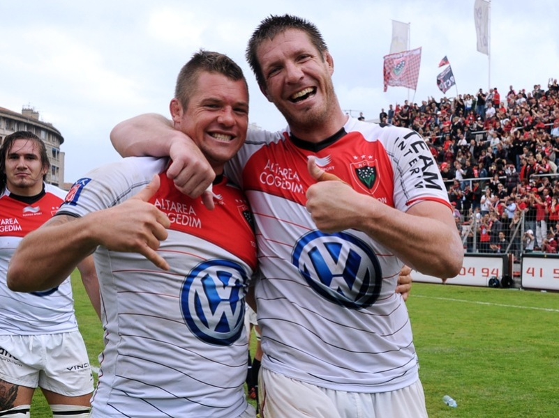 Mayol, rouge passion