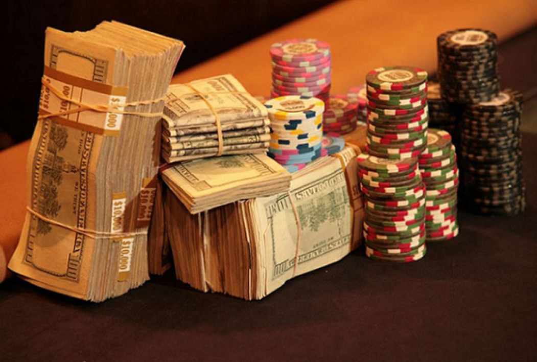 cash-game-poker-table.jpg
