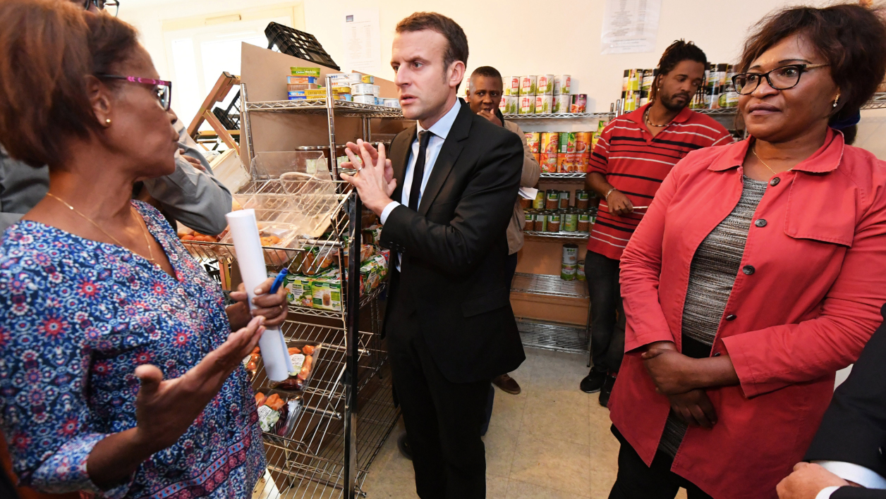 Emmanuel Macron rencontre des habitants, le 18 octobre, à Montpellier. (photo d'illustration)