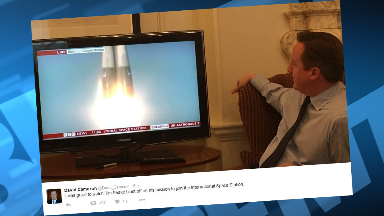 La photo montrant David Cameron assistant au décollage de l'astronaute britannique.