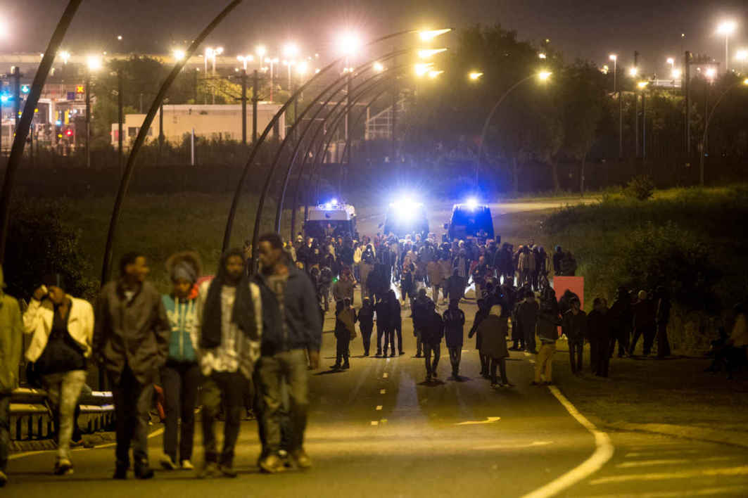 eurotunnel, migrants, Calais,