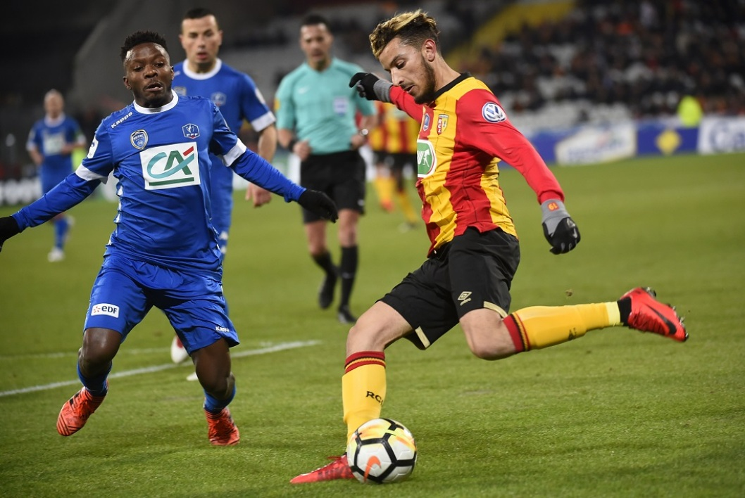 Des supporters accusent Zoubir de menaces de mort — Lens