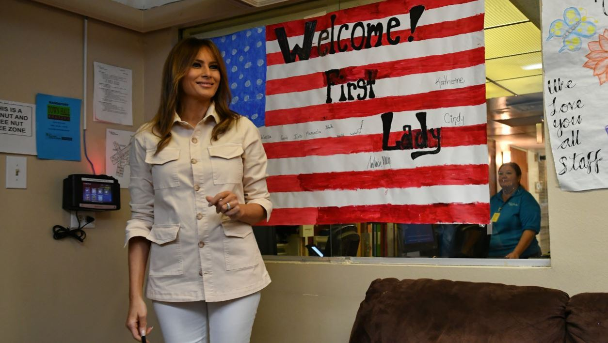US First Lady Melania Trump visits the Luthern Social Services of the South's Upbring New Hope Children Center in McAllen, Texas on June 21, 2018. First Lady Melania Trump made a surprise visit to the US-Mexican border on Thursday, June 21, 2018 as her husband's administration seeks to quell a firestorm over migrant family separations.