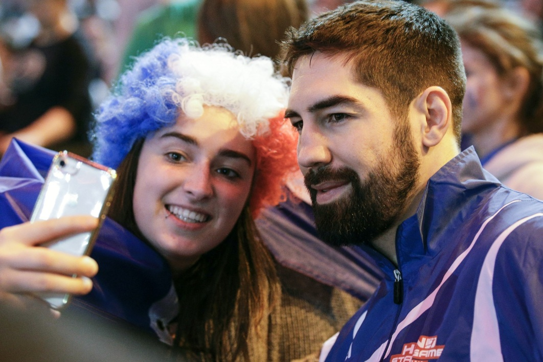 Nikola Karabatic et une supportrice