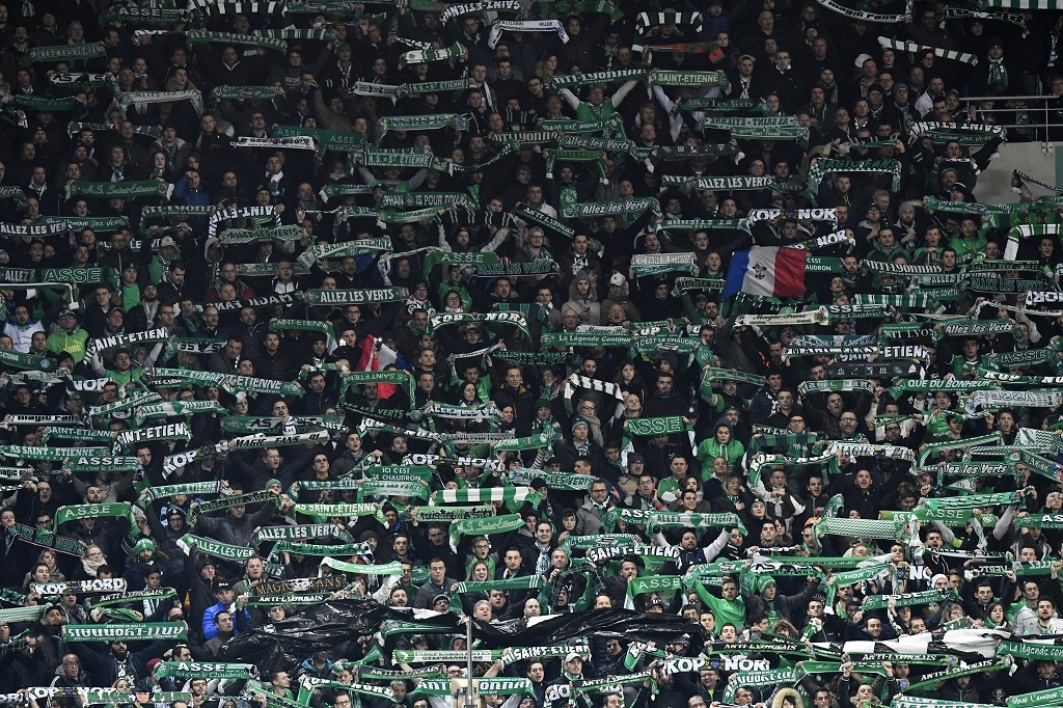 Saint-Etienne sanctionné par un match à huis clos total