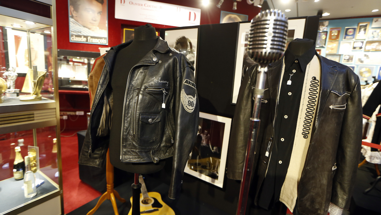 A Drouot, le cuir de Johnny vaut les Repetto de Gainsbourg