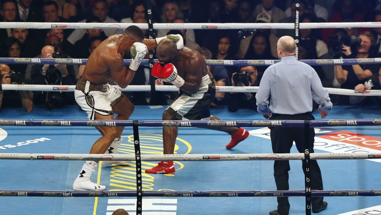 Carlos Takam contre Anthony Joshua