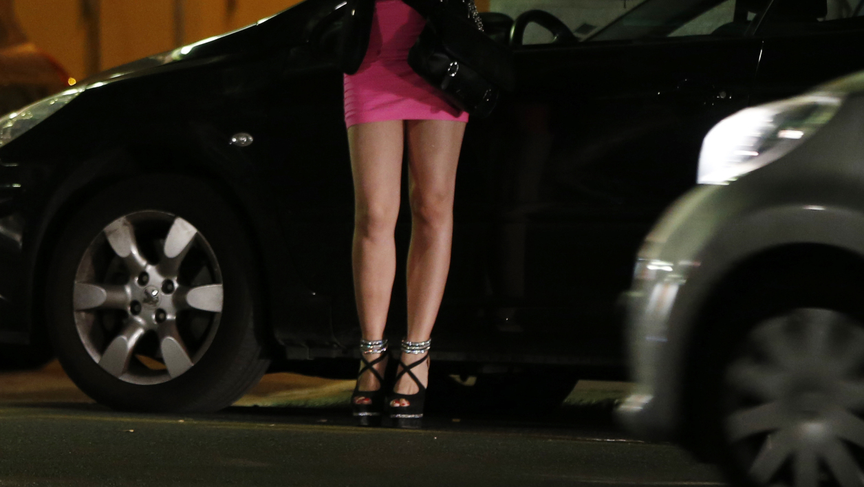 Une plainte pour proxénétisme contre Vivastreet pose la question de la prostitution sur Internet