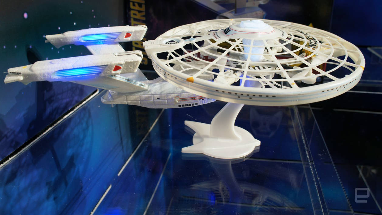 Drone Star Trek USS Enterprise Spin Master