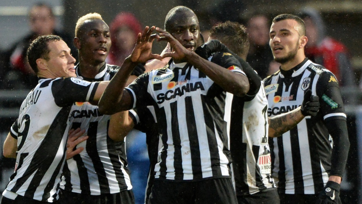 Ligue 1 : Angers coule Monaco
