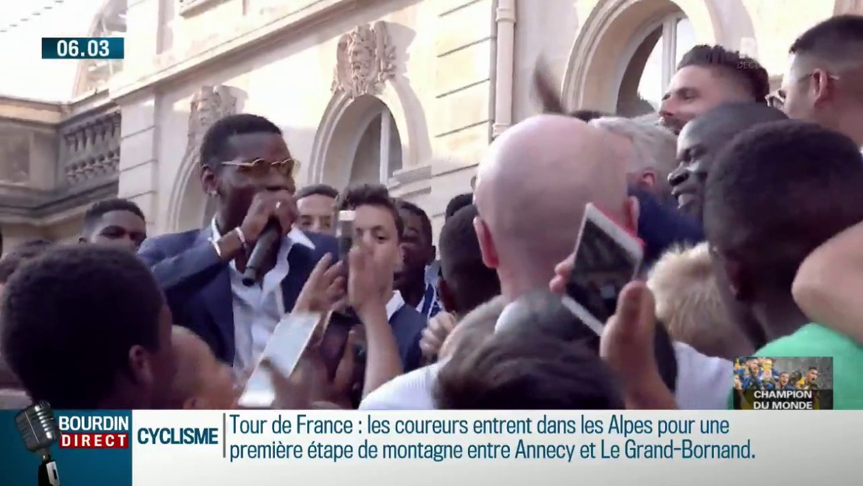 Blagues, chants... A l'Elysée, Paul Pogba a fait son show
