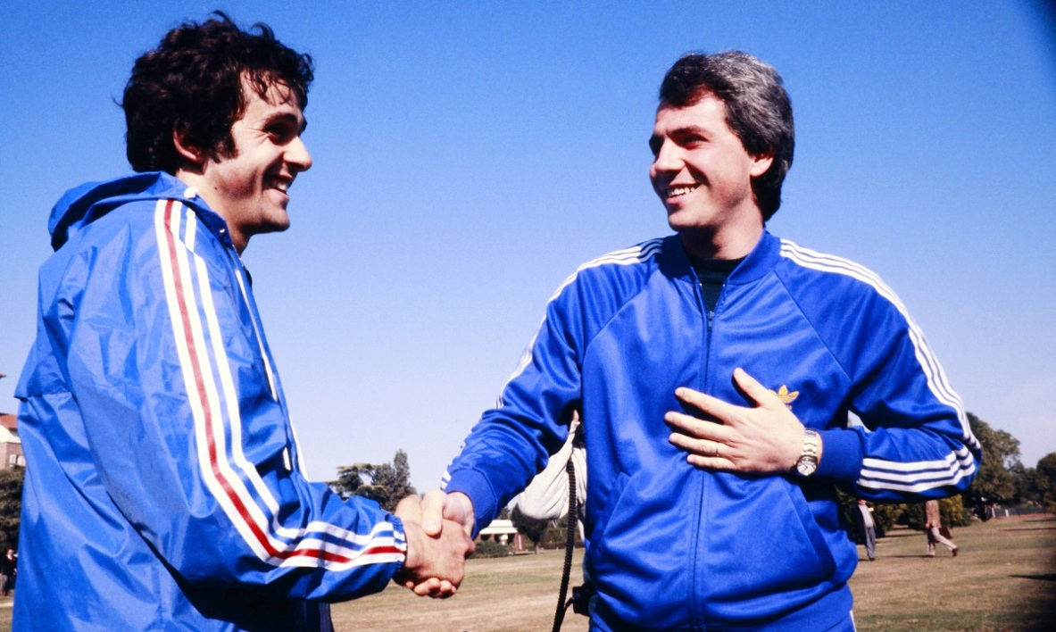 rossi paolo platini 1982 AFP.jpg
