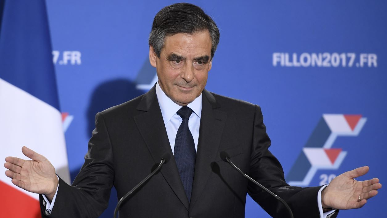 Sécu: Fillon retire de son site internet sa proposition controversée