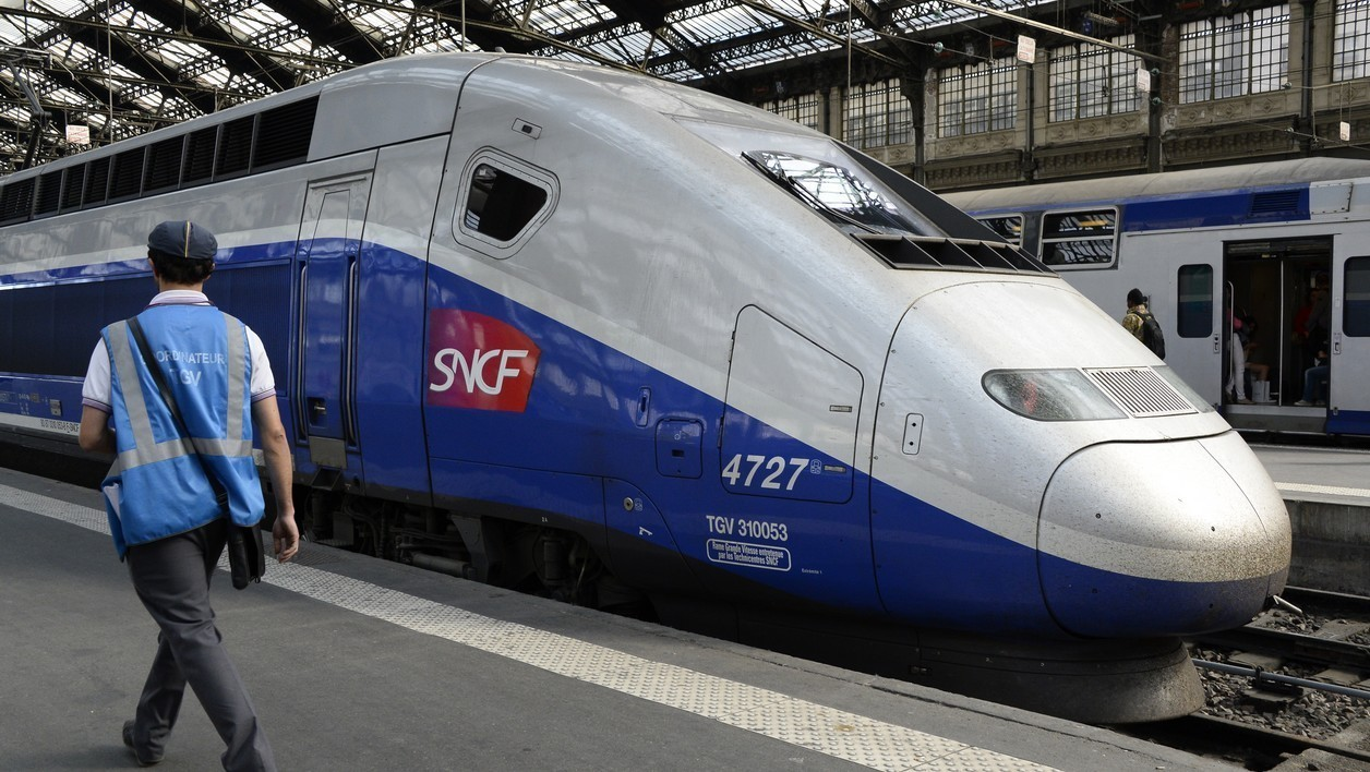 Un TGV en gare - Illustration