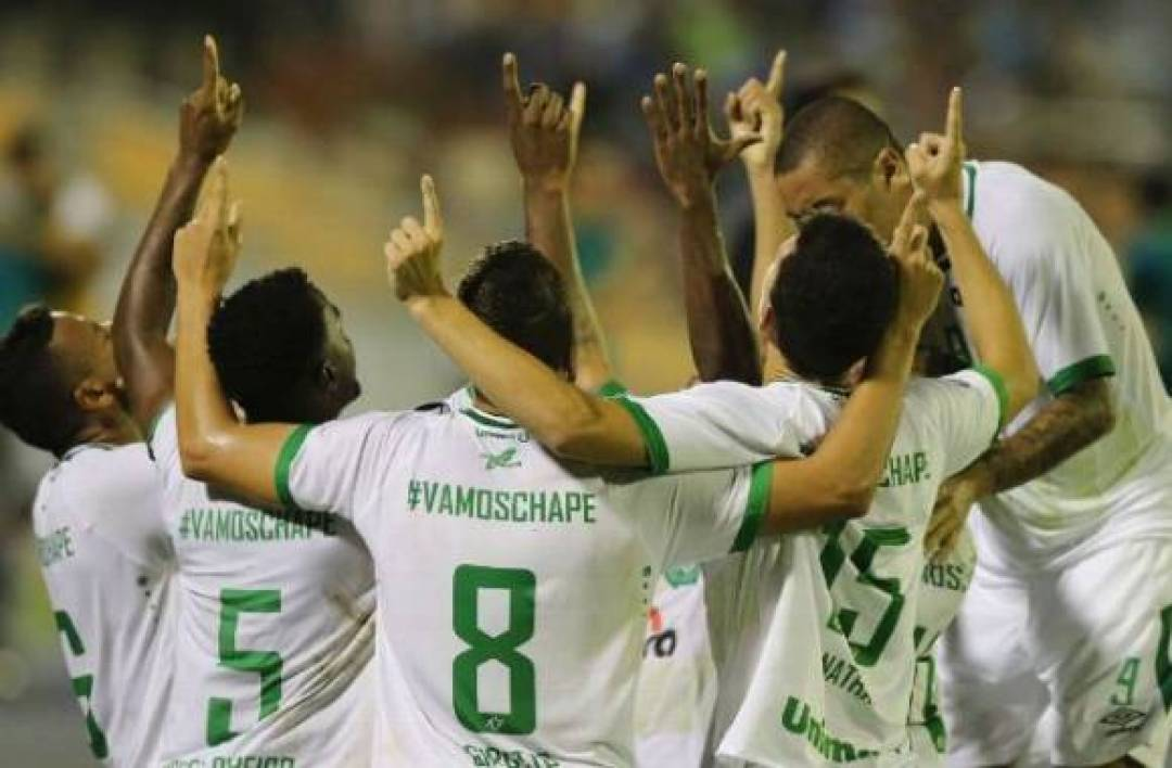 img-chapecoense-en-tete-du-championnat-1496139063_580_380_center_articles-443600.jpg