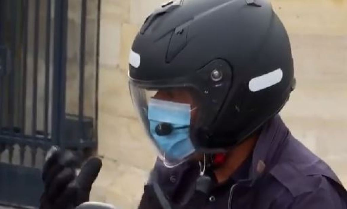 A Paris, l'obligation de porter le masque contestée par les motards