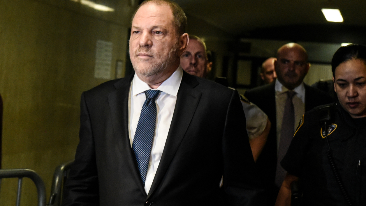Harvey Weinstein arrive à la Court suprême de l'Etat de New York, le 11 octobre 2018.