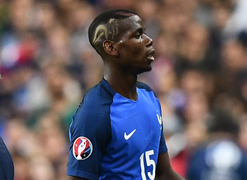 euro 2016 la nouvelle coupe de cheveux toil e de pogba. Black Bedroom Furniture Sets. Home Design Ideas