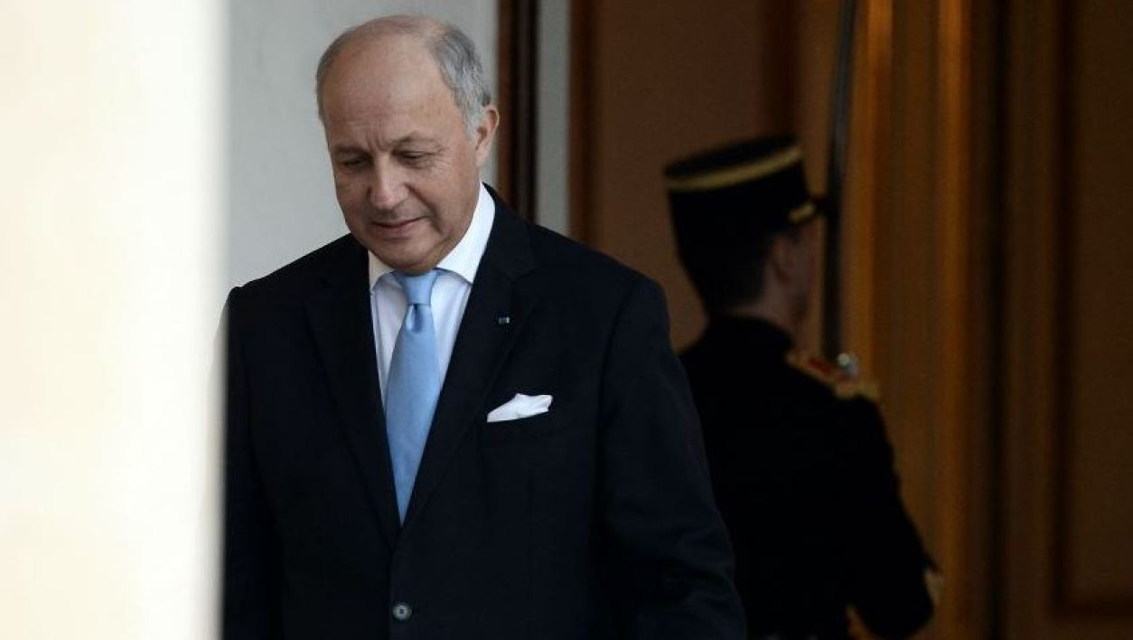 """French Foreign Affairs Minister Laurent Fabius walks through the entrance hall of the Elysee palace following the weekly cabinet meeting on February 10, 2016. Fabius said on February 10 he was leaving the government. Fabius, whose departure has long been rumoured, replied """"yes"""" when journalists asked if he was taking part in his final cabinet meeting on after four years in the job. AFP PHOTO / STEPHANE DE SAKUTIN  STEPHANE DE SAKUTIN / AFP"""