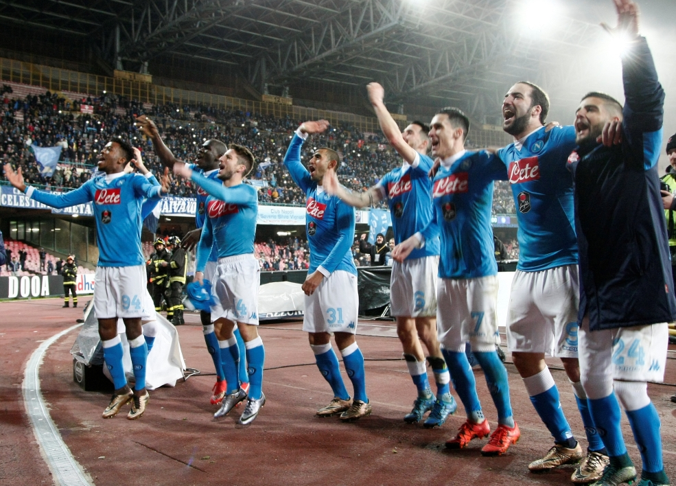 EN VIDEO  - Serie A : Naples prend les commandes