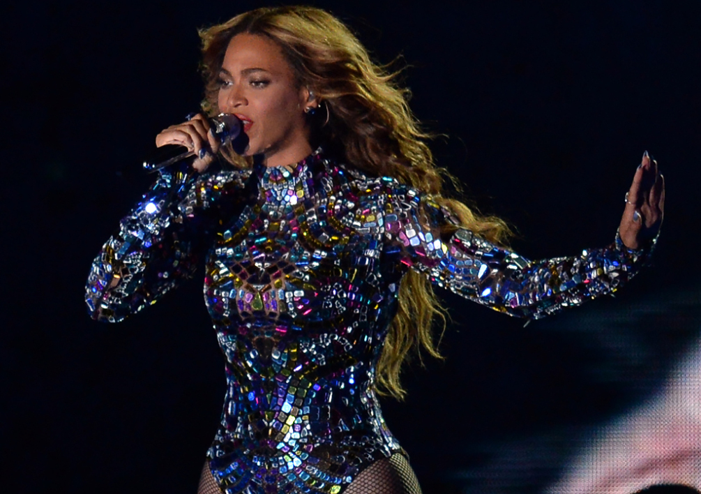 UNITED STATES, Inglewood : Beyonce performs on stage at the MTV Video Music Awards (VMA), August 24, 2014 at The Forum in Inglewood, California. AFP PHOTO / ROBYN BECK