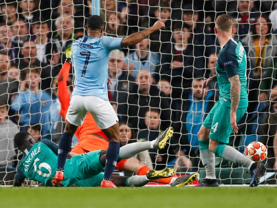 Manchester City-Tottenham: But refusé à Sterling dans le temps additionnel, la vidéo de ce moment dingue