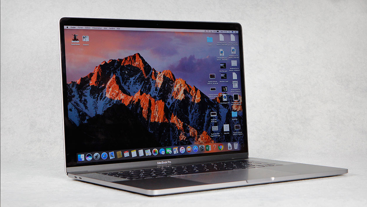 Apple MacBook Pro 15 pouces Core i7 2,7 GHz avec Touch Bar