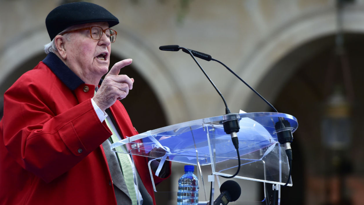 France's far-right National Front (FN) founder Jean-Marie Le Pen delivers a speech during a May Day rally in honour of Joan of Arc (statue) in Paris on May 1, 2017.  CHRISTOPHE ARCHAMBAULT / AFP
