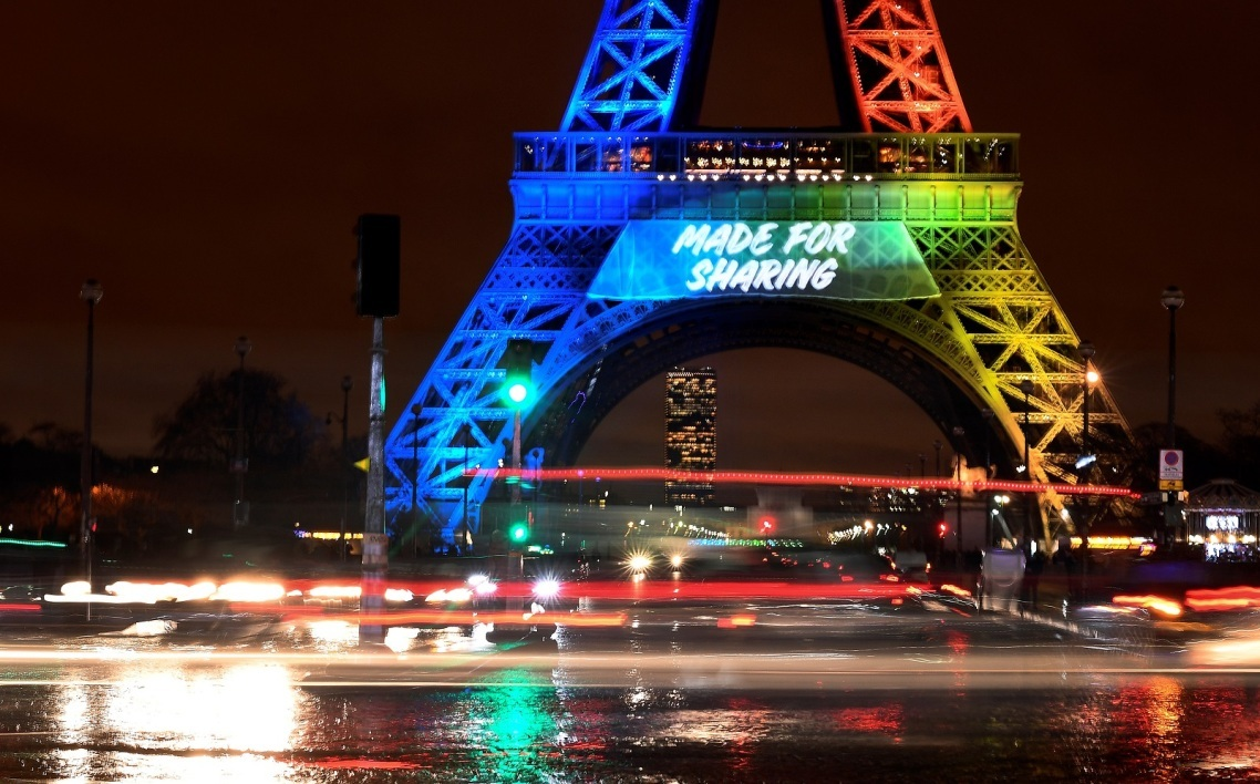"""Made for sharing"", le slogan de Paris 2024 sur la Tour Eiffel"