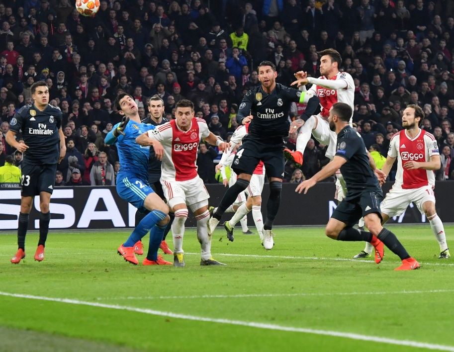Ajax Real but annulé Tagliafico AFP.jpg