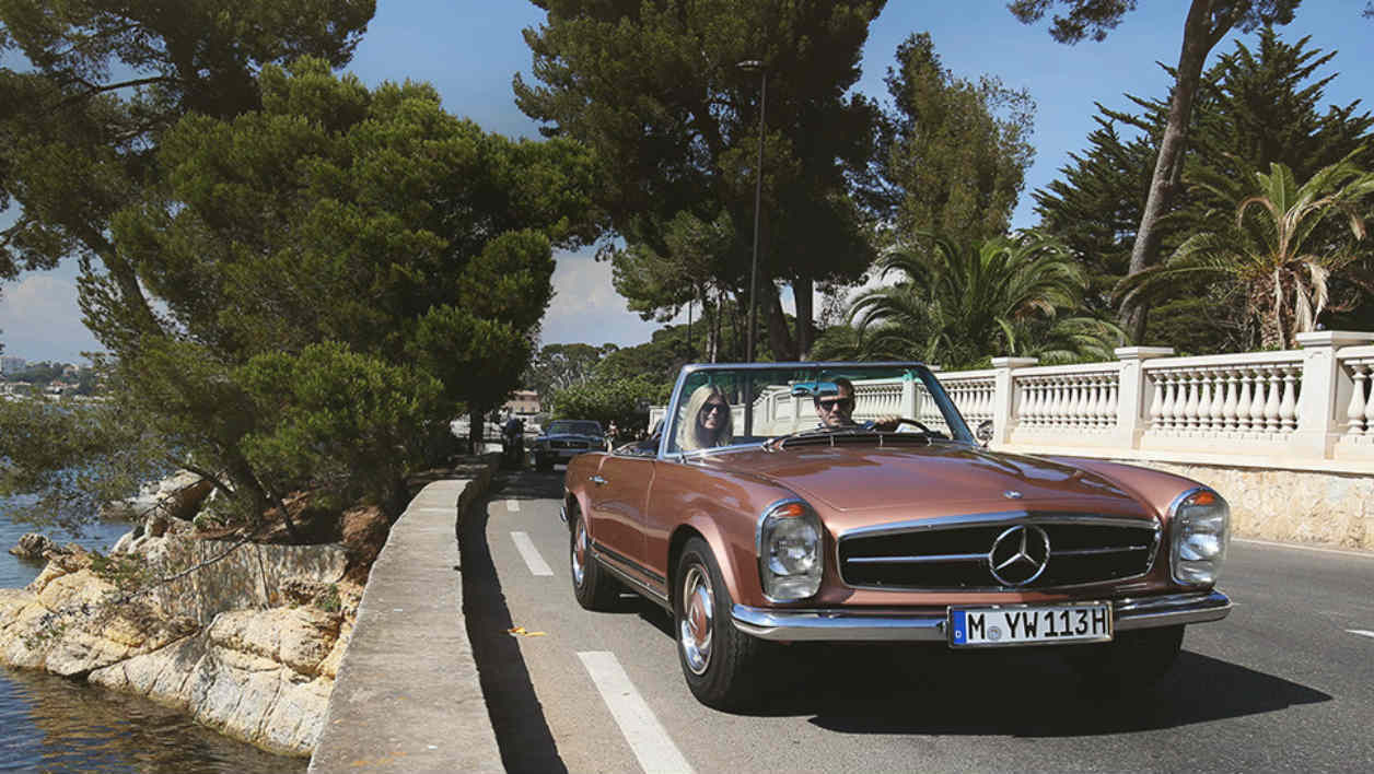 Mercedes Classic Car Travel