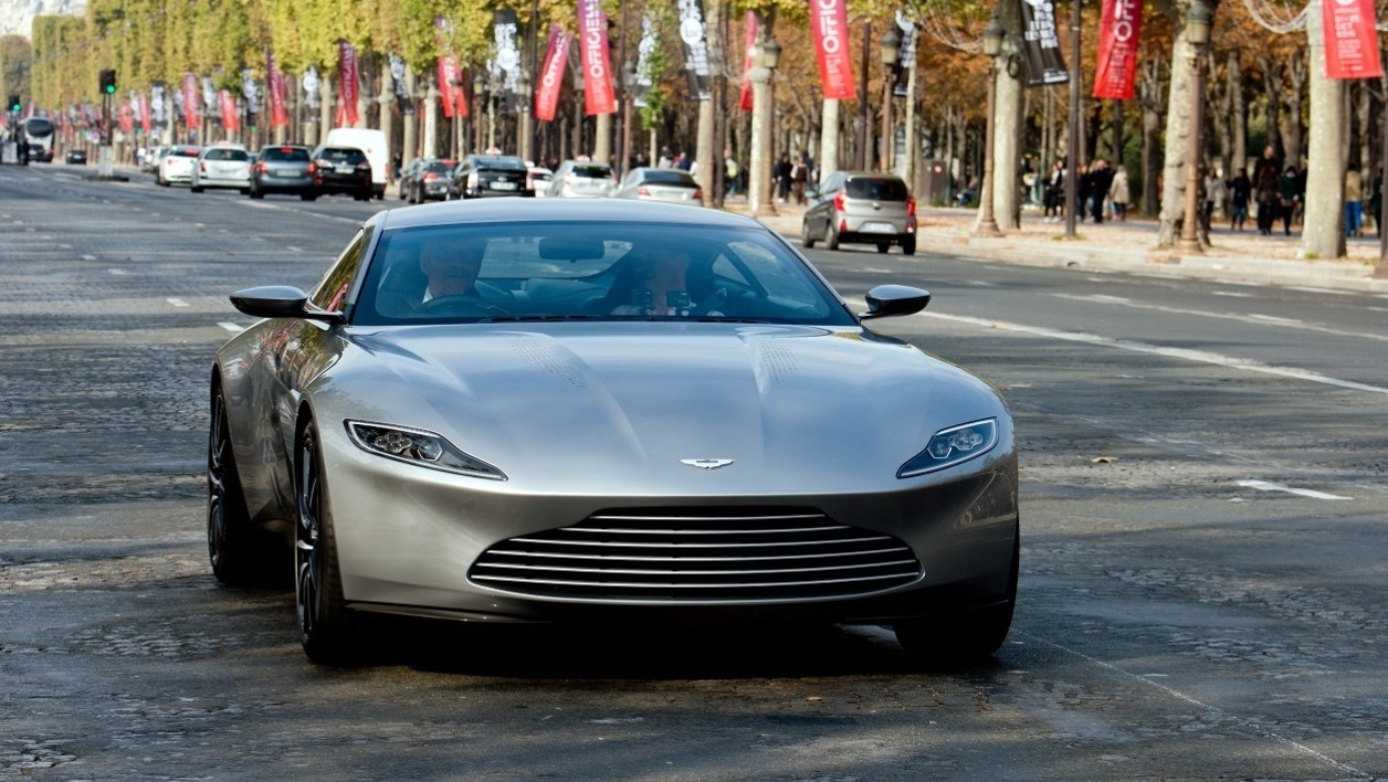 Aston Martin James Bond.jpg