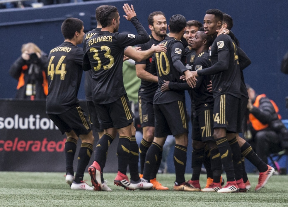 Le Los Angeles FC célèbre un but