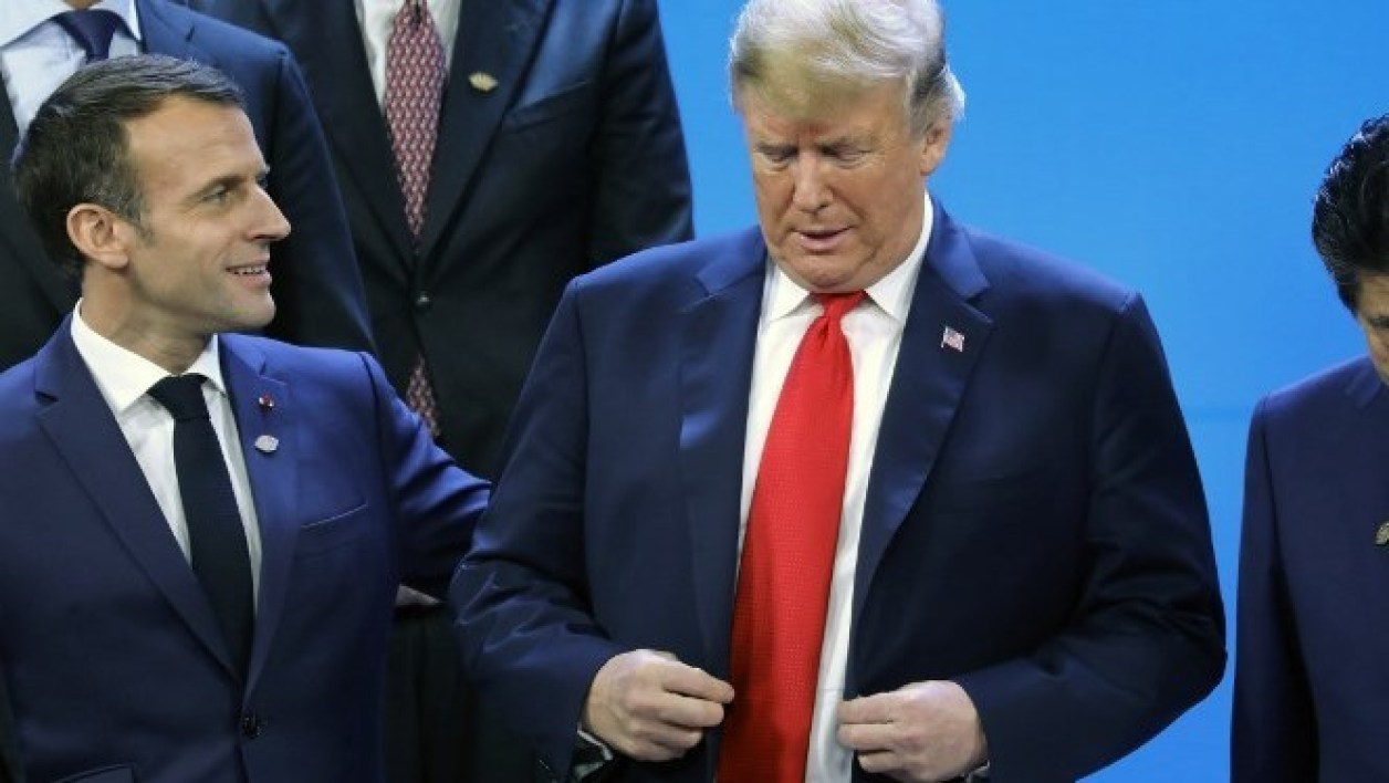 France's President Emmanuel Macron, US President Donald Trump and Japan's Prime Minister Shinzo Abe attend the G20 Leaders' Summit family photo in Buenos Aires, on November 30, 2018. Global leaders gather in the Argentine capital for a two-day G20 summit beginning on Friday likely to be dominated by simmering international tensions over trade. Ludovic MARIN / AFP