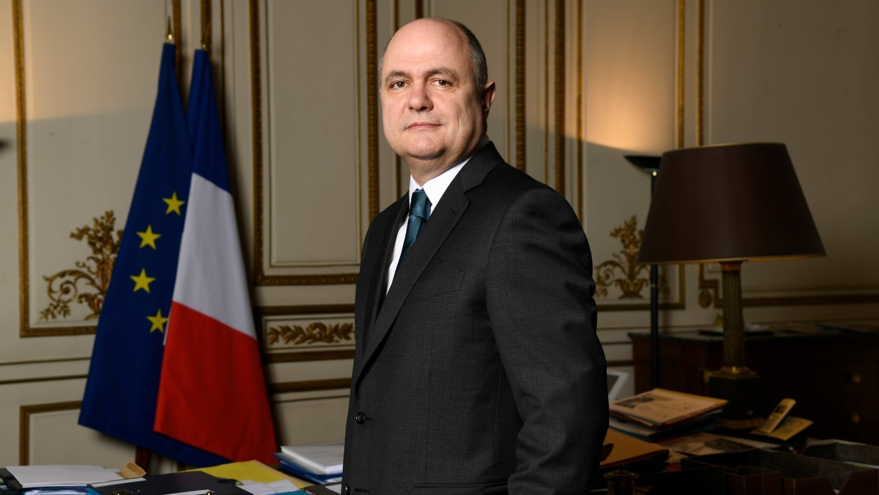 French Interior Minister Bruno Le Roux poses during a photo session on December 21, 2016, at the Interior Ministry in Paris.  Bertrand GUAY / AFP